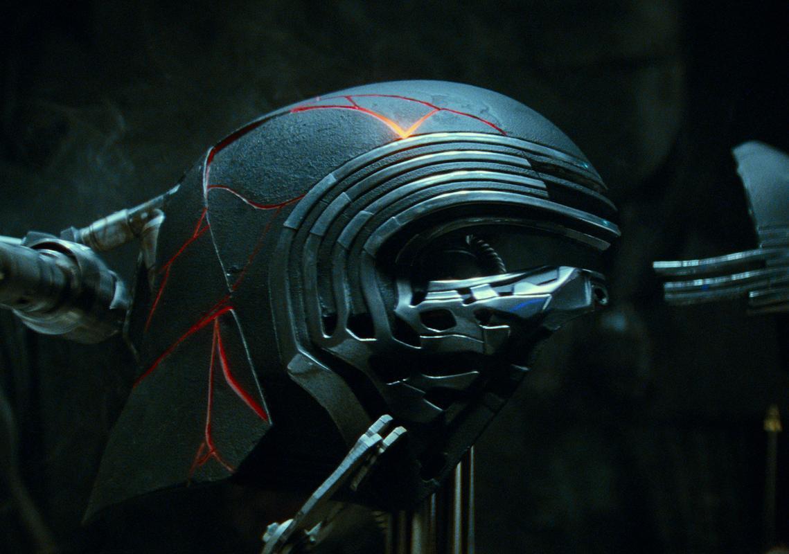 Star Wars The Rise Of The Skywalker Kylo Ren Mask Poster Prints4u